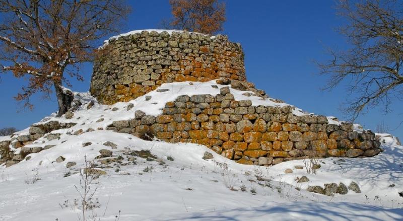 nuraghe-dronnoro-sotto-la-neve
